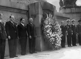 President Truman laying wreath at Monument for the Niños Héroes.  Photo, courtesy of Truman library